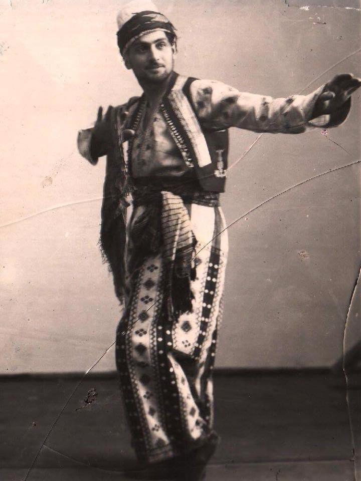 Aristakesyan - posing